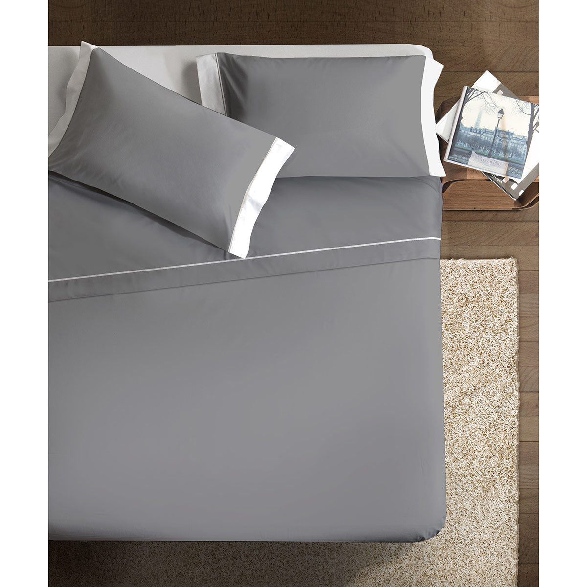 http://www.carillobiancheria.it/images/paps/20141231105324-Completo_letto_double_colour_grigio_bianco_1.jpg